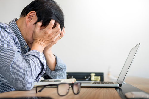 7 Signs Your Anxiety Is Getting The Best Of You At Work